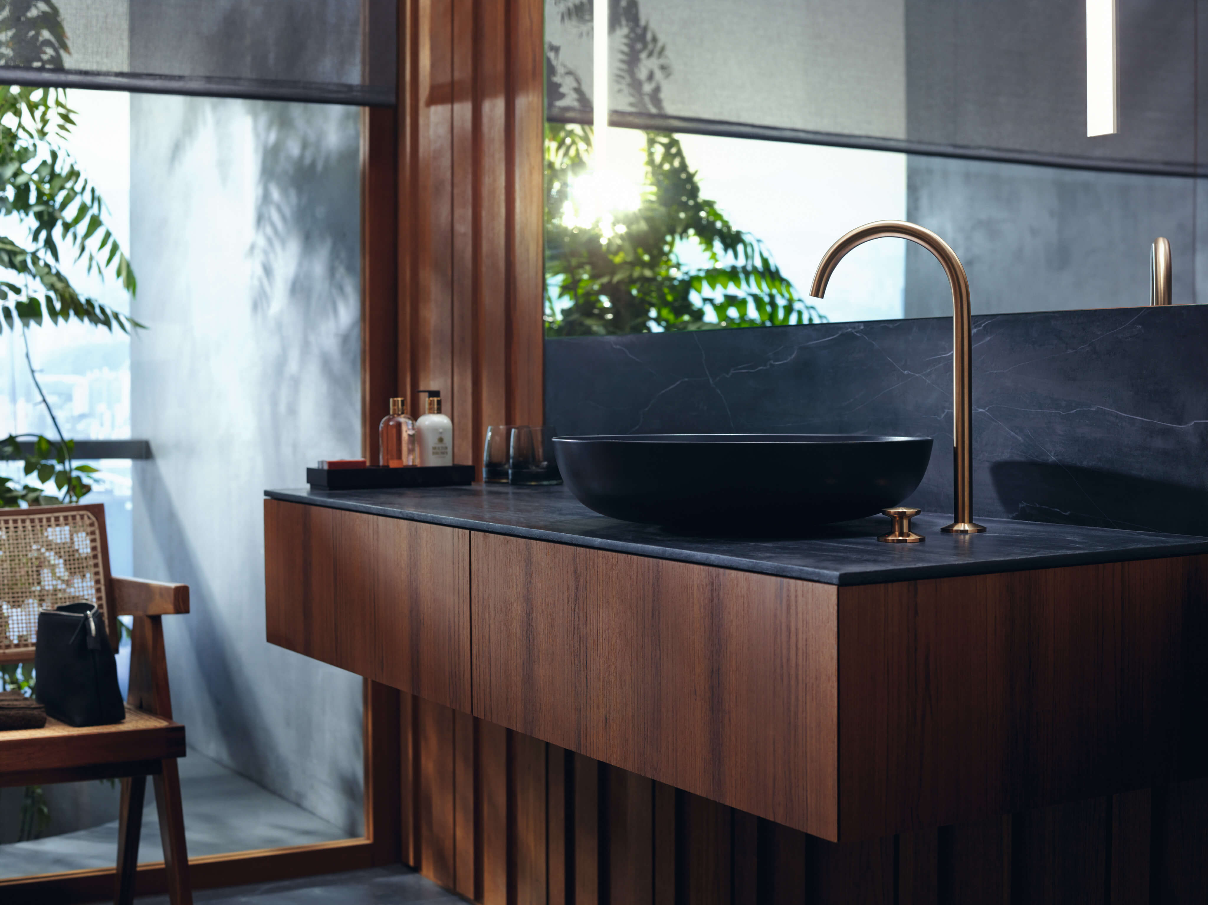 aad00910 - The essence of exquisite simplicity reimagined for AXOR One